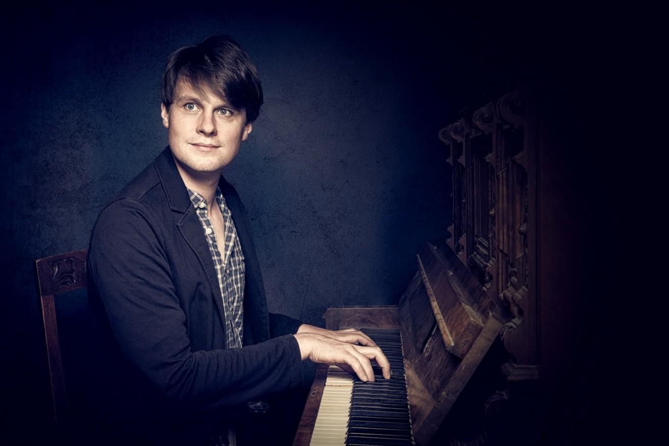 Albrecht Schumann - Pianist bei TROjKA